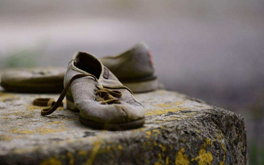 Verslete skoene en die herberg