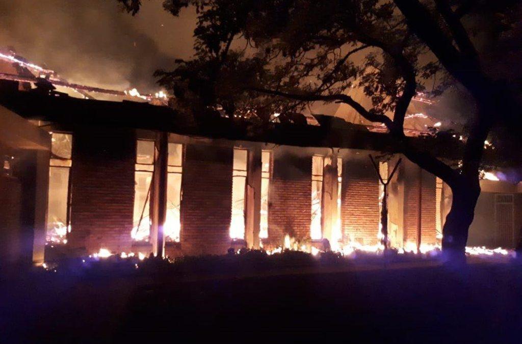 As al die kerke afbrand…
